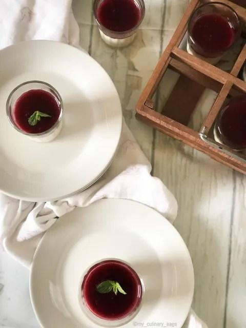 Classic Pannacotta with strawberry sauce
