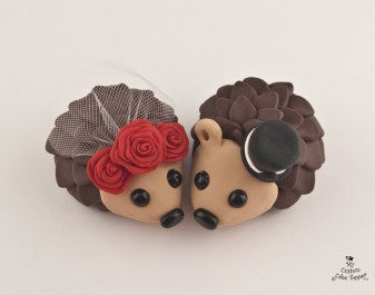 Hedgehogs in Love Red Roses Cake Topper