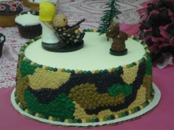Melissa's Hunting Wedding Cake