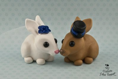 Bunnies in Love Topper