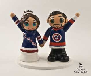 Bride and Groom in Hockey Jerseys Cake Topper