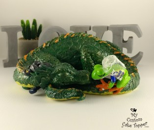 Dragon and Frog Cuddling Cake Topper