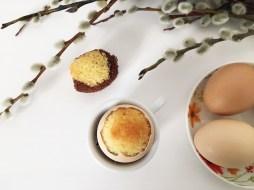 Cake in egg 04