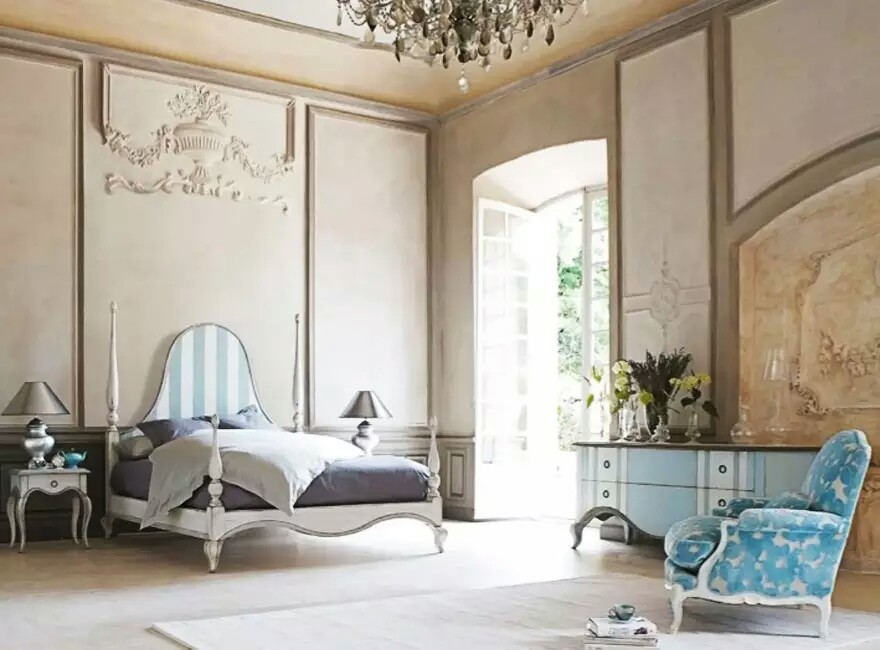 French Interior Design Theme
