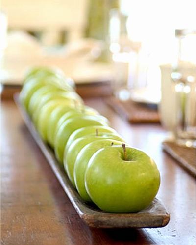 simple an quick centerpiece -apples