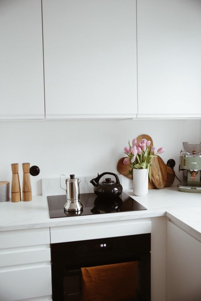 Jak urządzić małą kuchnię w bloku