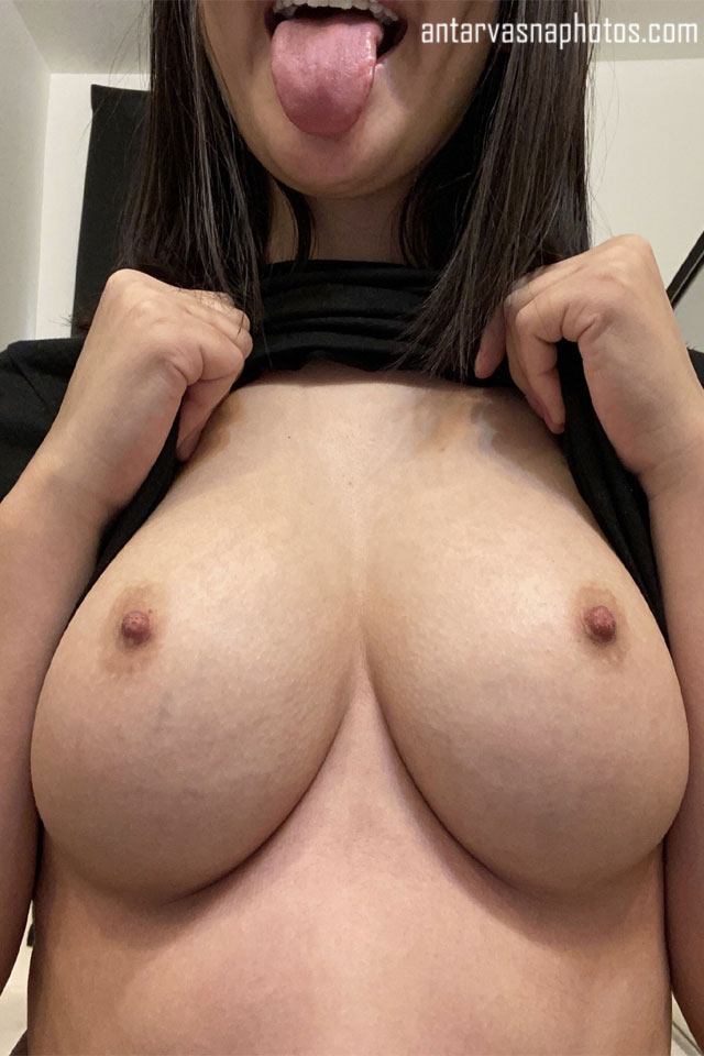 Maria ke juicy boobs ki photos