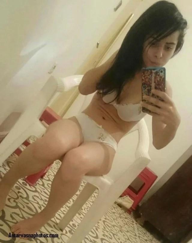 bra panty me baithi farman