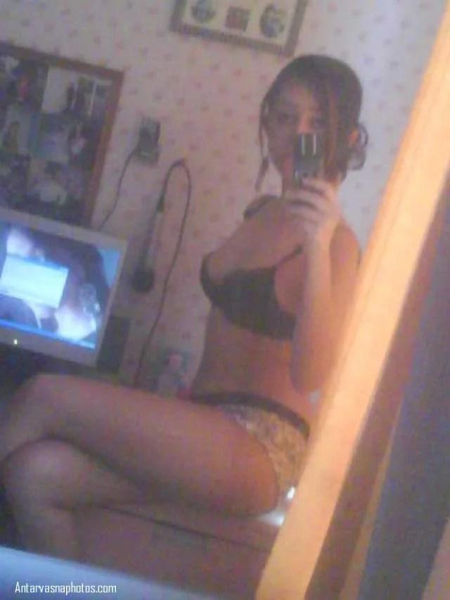 navya full pose nude pic
