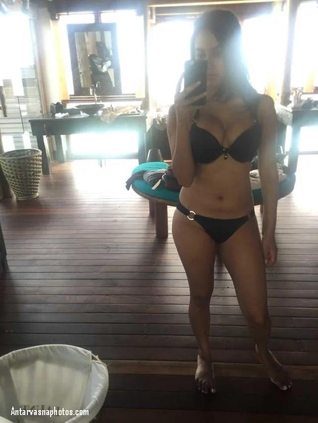 sexy hot girl ki black bra panty