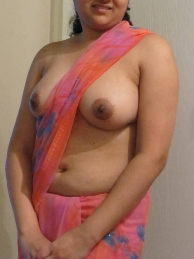 saree me indian aunty ke beautiful sexy boobs