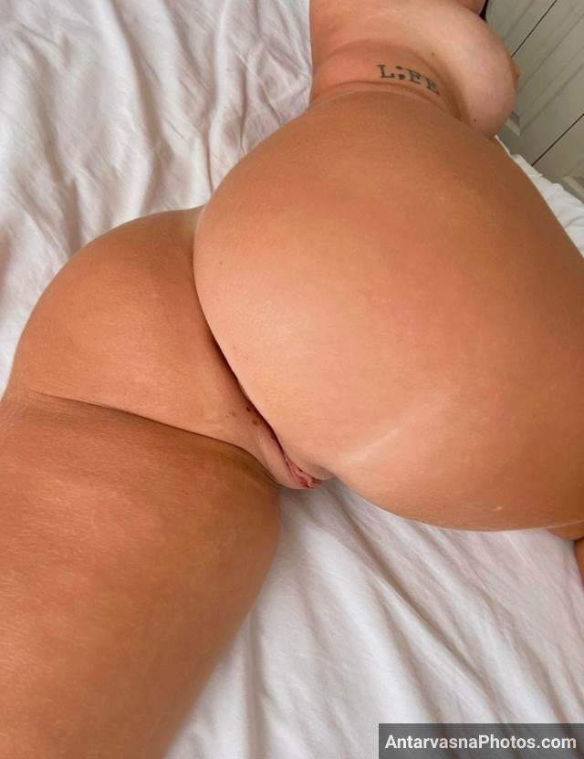 big bumby nude ass pic of hot college girl