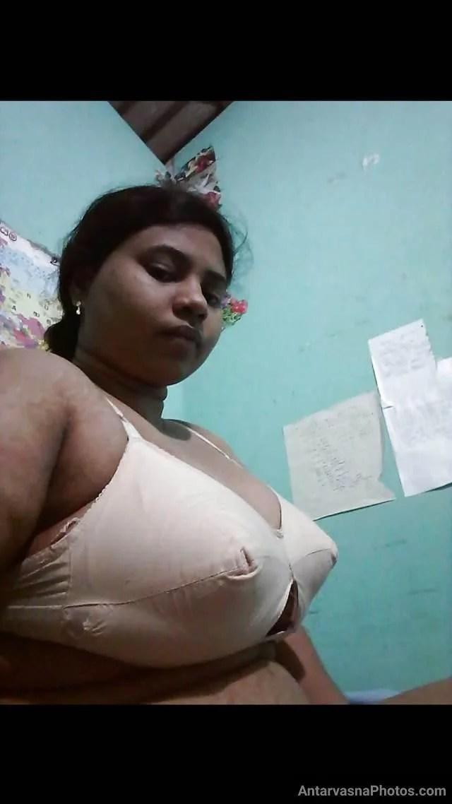 blouse utar kar bra me kaid chuchi dikhati bhabhi pic