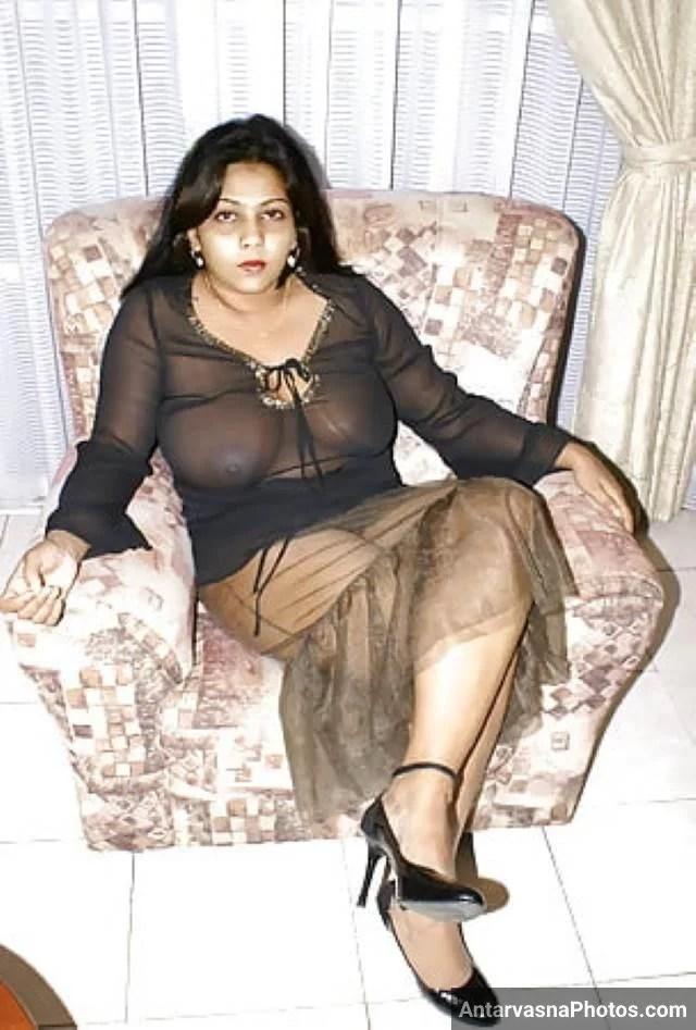 pardarsi nighty me apni big boobs dikhati sexy aunty pic