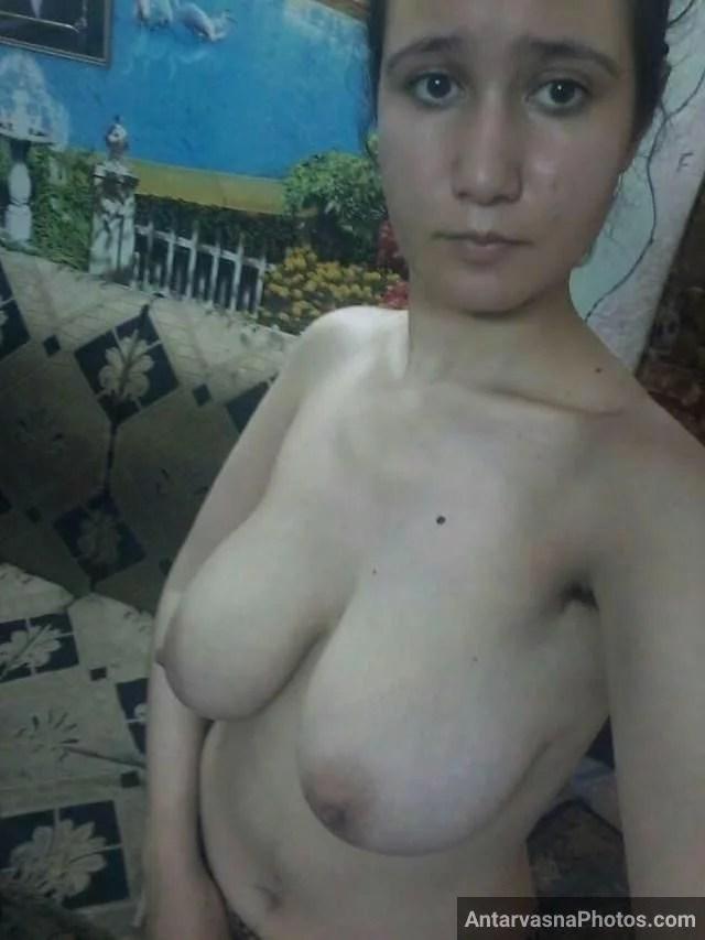 sexy girl ke latke hue mango ki hot pic