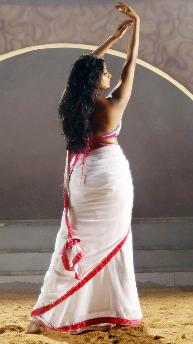 sexy indian girl in saree without blouse pics