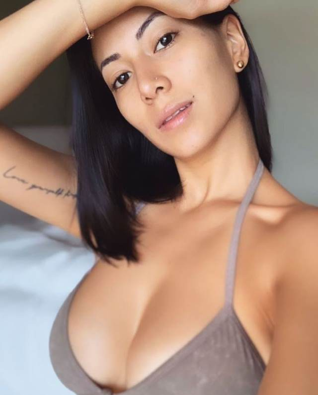sexy boobies in hot bra ready for titis fuck