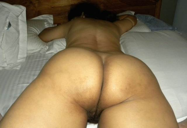 indian aunty big ass pic in bed