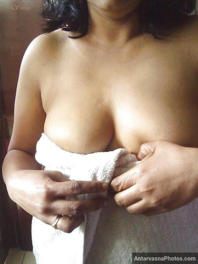 sexy desi aunty nude bathroom pics 12