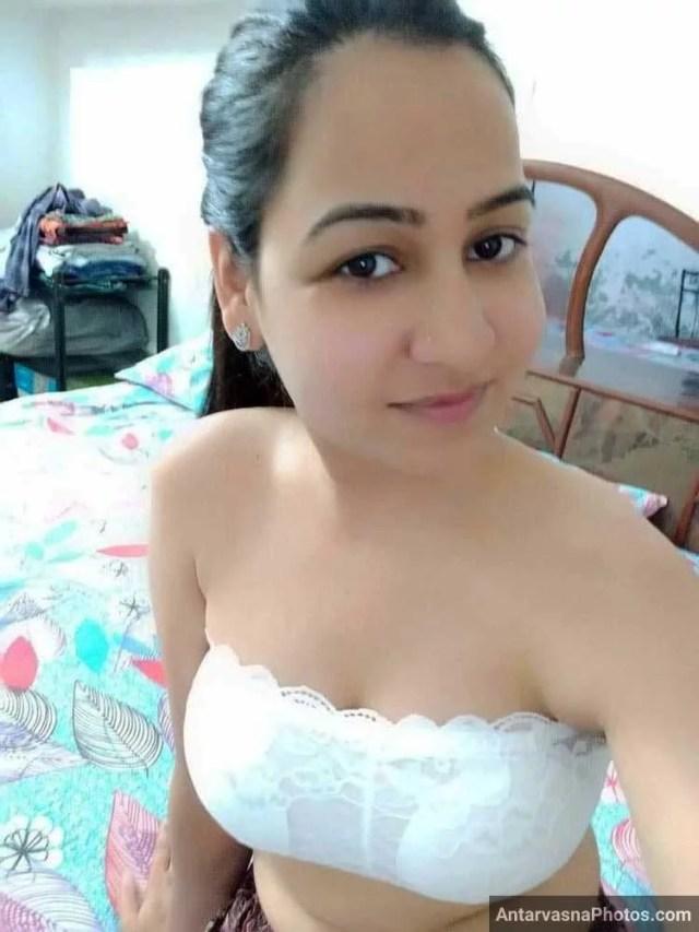 up wali nidhi bhabhi sexy bra