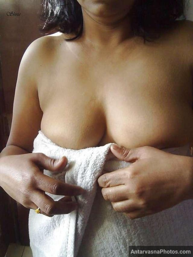 sexy desi aunty nude bathroom pics 11
