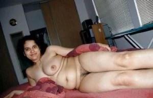 mature horny desi housewife
