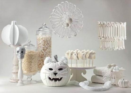 Black and white Halloween ideas