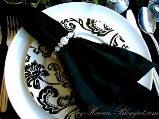 Black and white Halloween ideas13