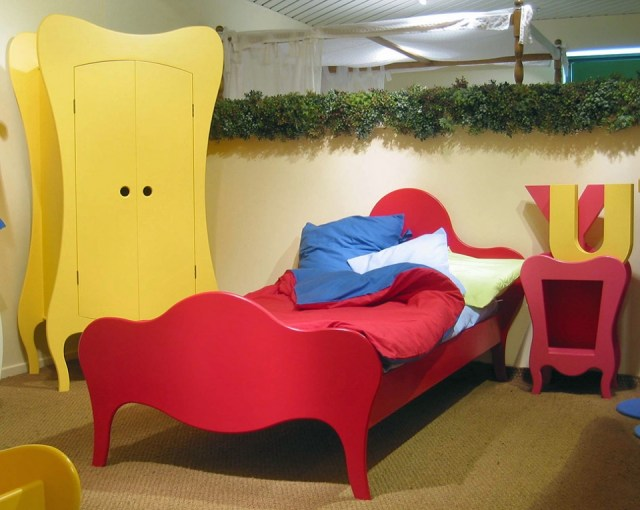 Bright collection of children's furniture11