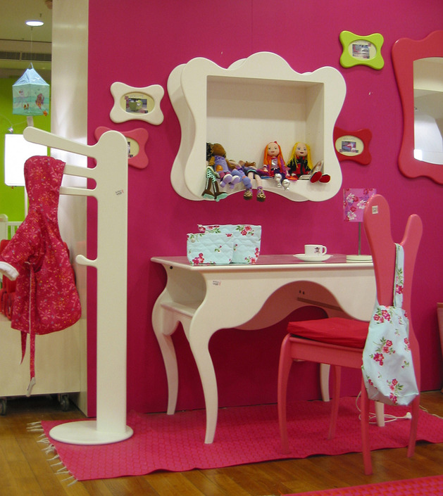 Bright collection of children's furniture3