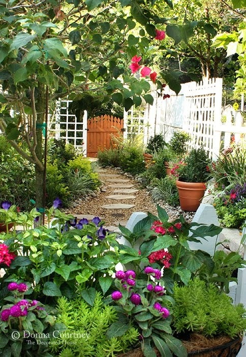 Ideas for small gardens - Balconies39
