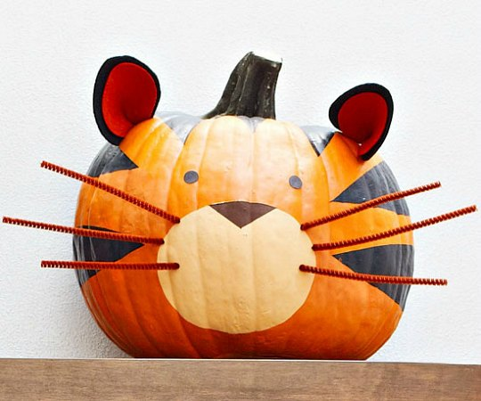 Decorate with pumpkins3