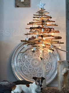 Christmas tree ideas from log and branches25