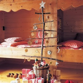 Christmas tree ideas from log and branches7