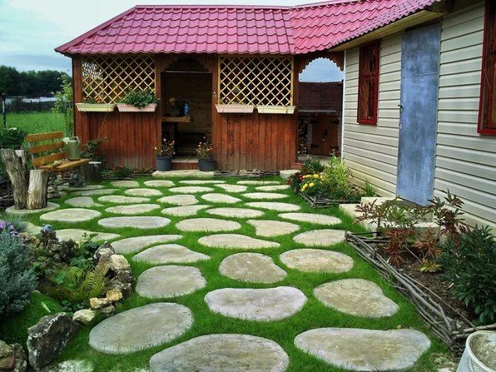 garden deco with rocks11