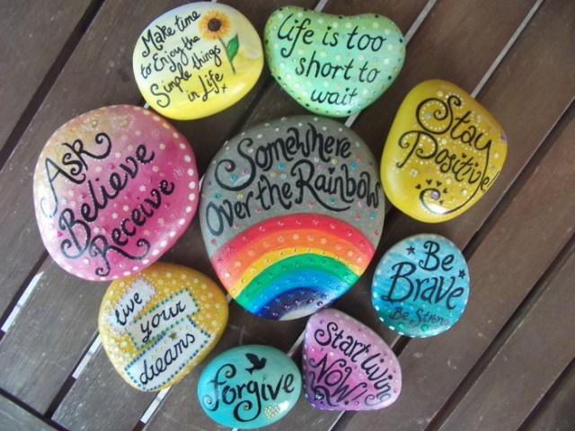 pebble painting ideas13