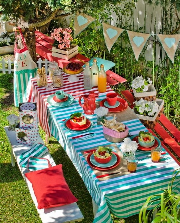 Ideas for decorating outdoor tables6