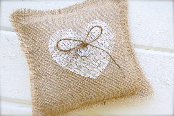 decorating ideas with burlap and lace (5)