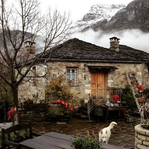 dream houses in the mountains of Greece20