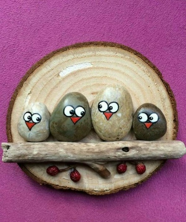 Christmas painting on stones and pebbles (55)