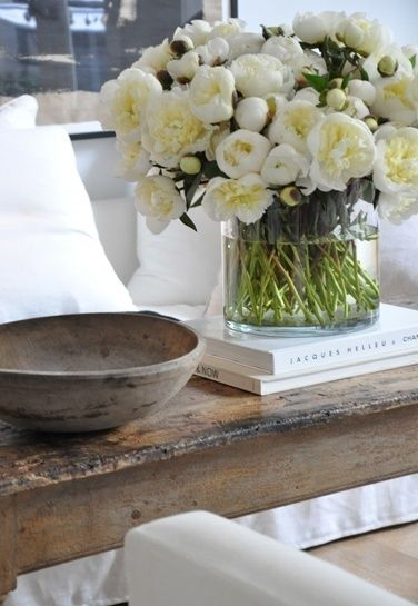 living room table decoration ideas23