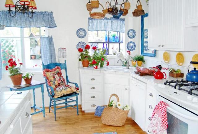 small kitchen in the style of Provence22