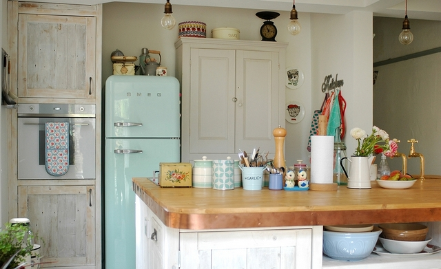 small kitchen in the style of Provence23