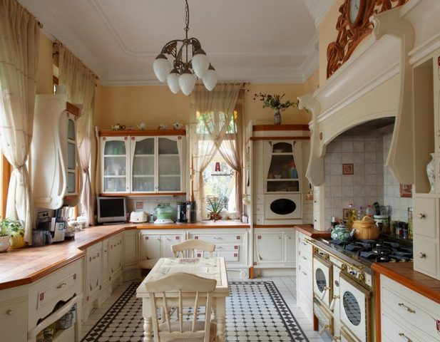 small kitchen in the style of Provence8