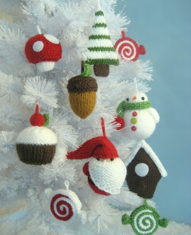 DIY Knitted Christmas ornaments