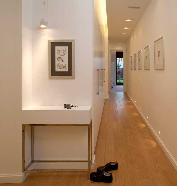 95 Home Entry Hall Ideas For A First Impressive Impression: Wonderful Design Ideas Of A Narrow Corridor In City