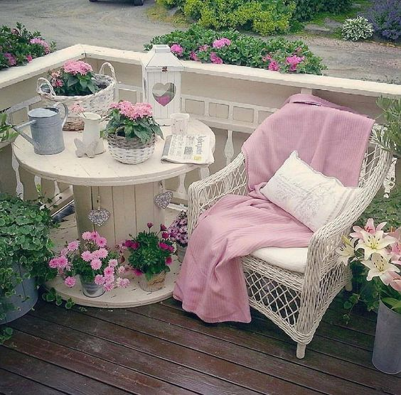 Stai cercando cucine stile shabby chic? Decorate The Garden Creatively With These 65 Diy Ideas My Desired Home
