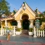 85 Days til Disneyland – Mickey's House!