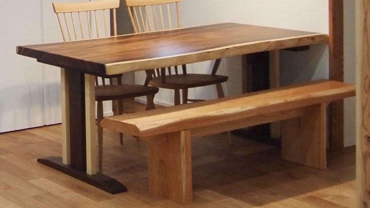 ダイニングテーブルの脚とベンチ(2014年12月)
