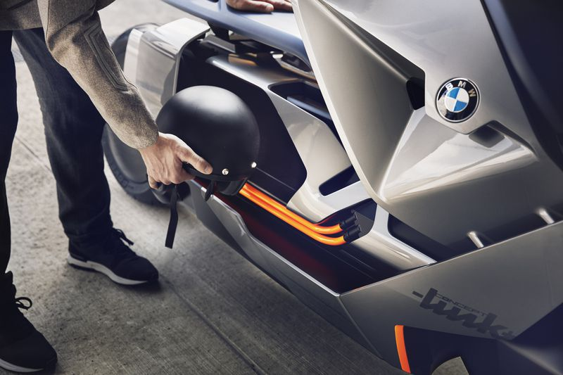 The BMW Motorrad Concept Link takes new, connected paths.